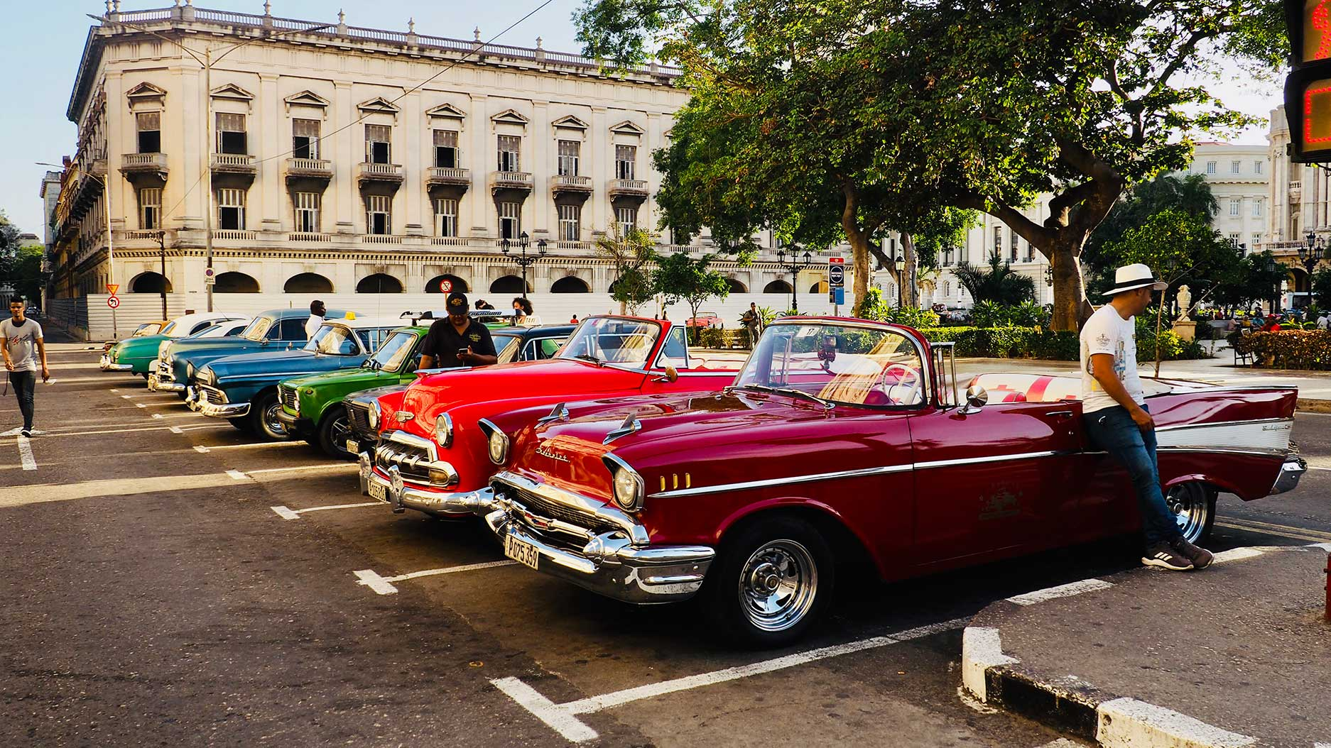 vieilles voitures américaines à la havane