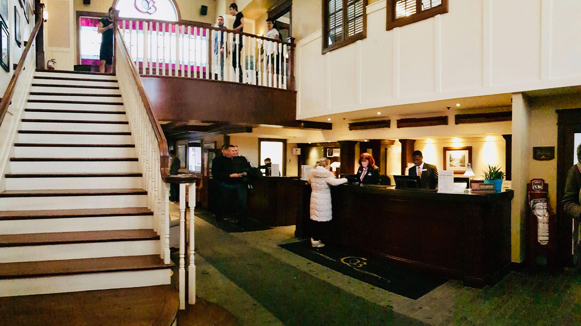 escalier au chateau beauvallon