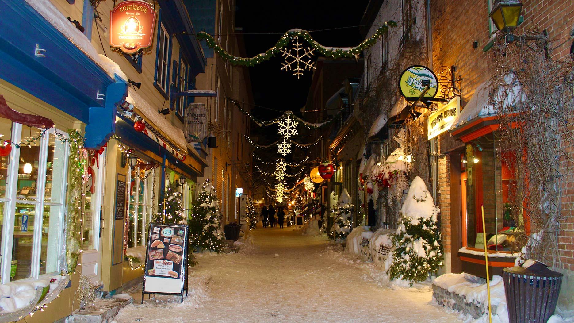 rue principale du vieux champlain en hiver
