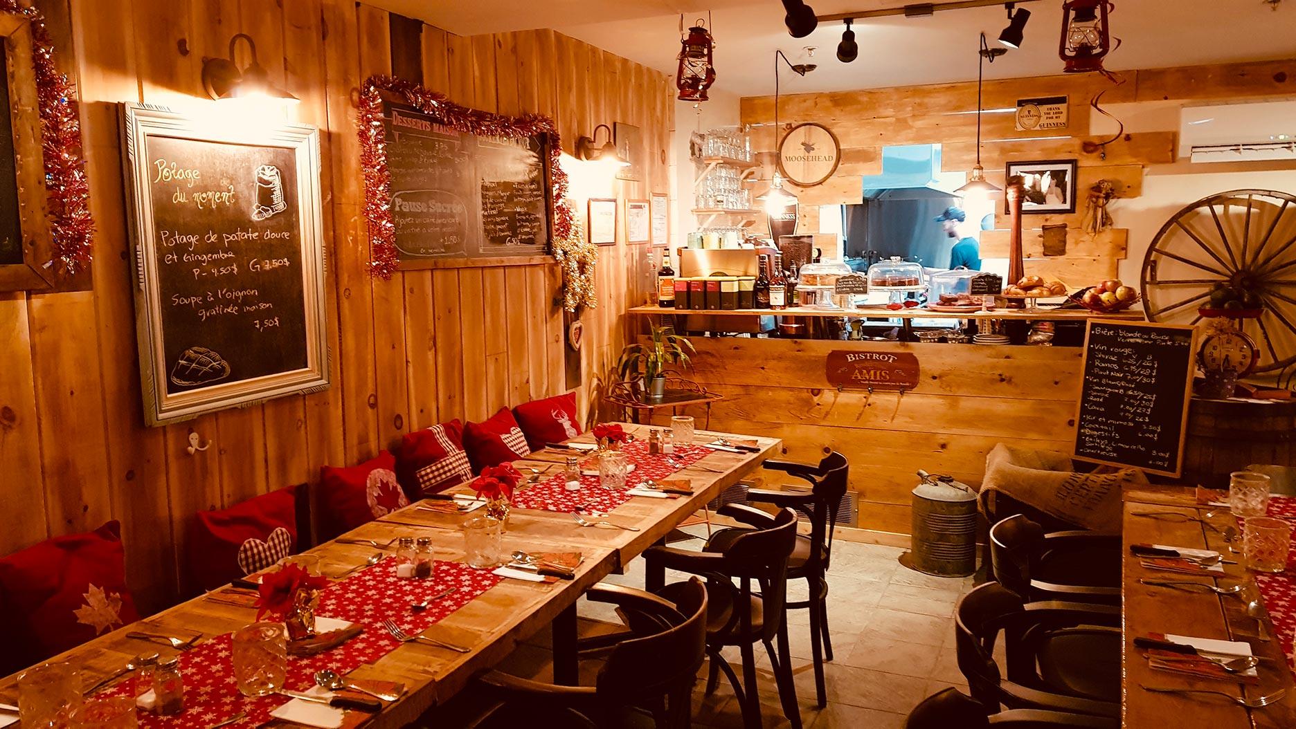salle decoration montagnarde au ptit rustik de montreal